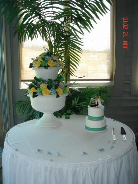 White and teal wedding cake